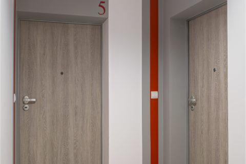 drzwi Dierre i wycieraczki systemowe w Comfort City Rubin