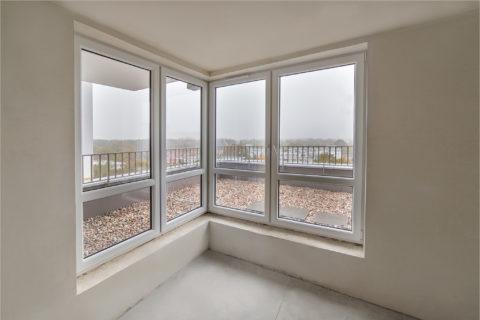 okna w gotowym mieszkaniu w stanie deweloperskim Comfort City Rubin BARC Warszawa S.A.