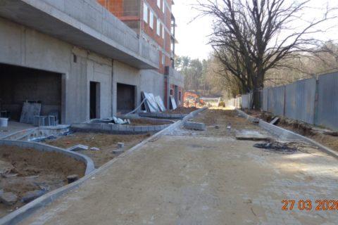 wjazd do garażu  Comfort City Ametyst Białołęka 27 marca 2020