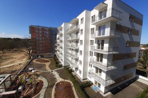 Comfort City Bursztyn_prace na patio_27 kwiecień 2020