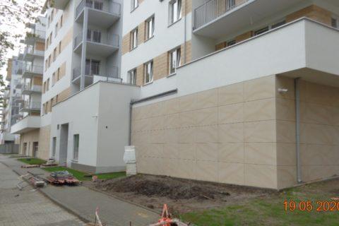 wejście do klatki, wjazd do garażu Bursztyn 19 maj 2020