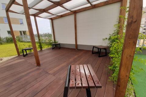pergola na patio Comfort City Bursztyn lipiec 2020