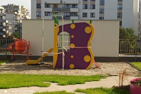 zabawka dla dzieci na patio Comfort City Ametyst październik 2020