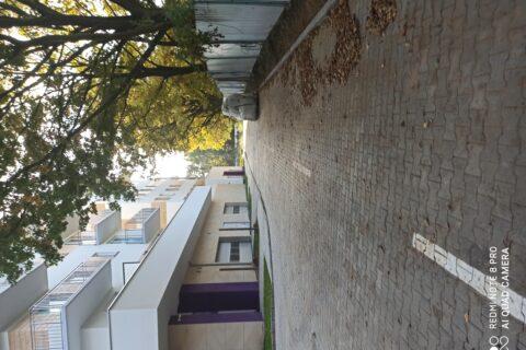 wejścia do budynku i wjazd do garażu Comfort City Ametyst