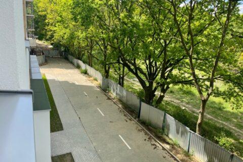 Comfort City Ametyst widok z okna, maj 2021